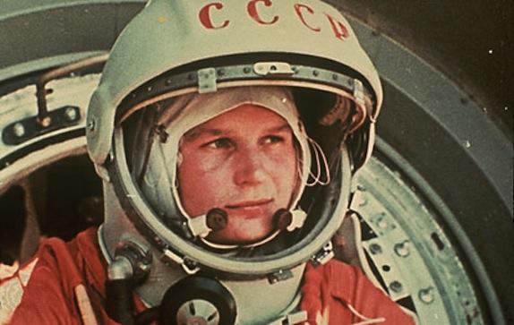 """Jurij Gagarin """"compie"""" 85 anni – il sovietico che sfidò lo spazio"""