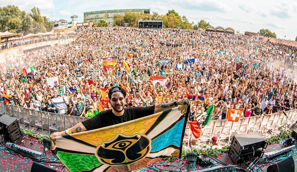 Un catanese a Tomorrowland: la vera storia di ANGEMI