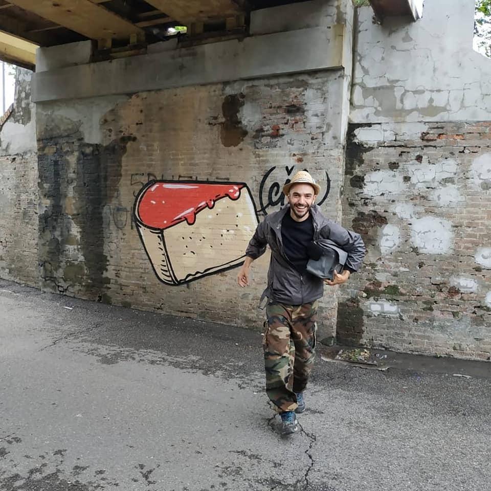 """Cibo, lo street artist di Verona: """"Coprire l'odio è una missione"""""""